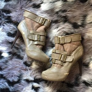 "Dollhouse Tan Fur Lined Winter Booties 4.5"" Heels"